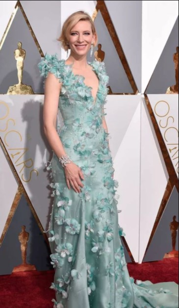 The Most Unforgettable Oscar Dresses Of All Time Beachraider