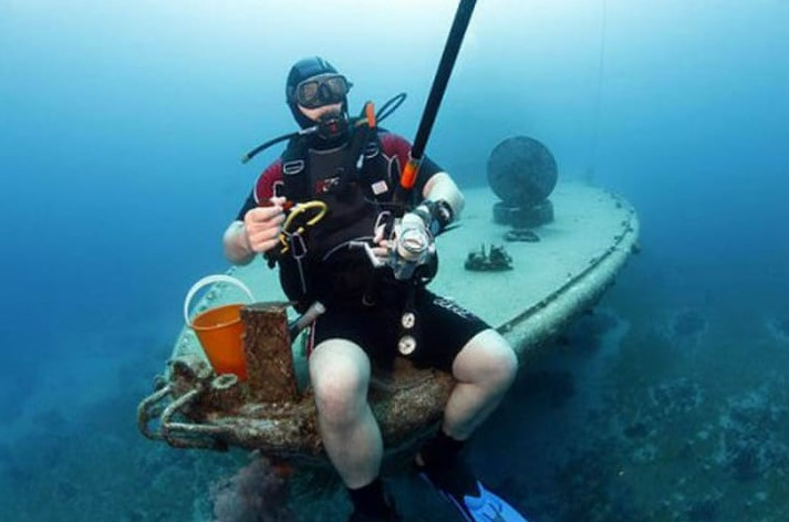 An Underwater Expedition