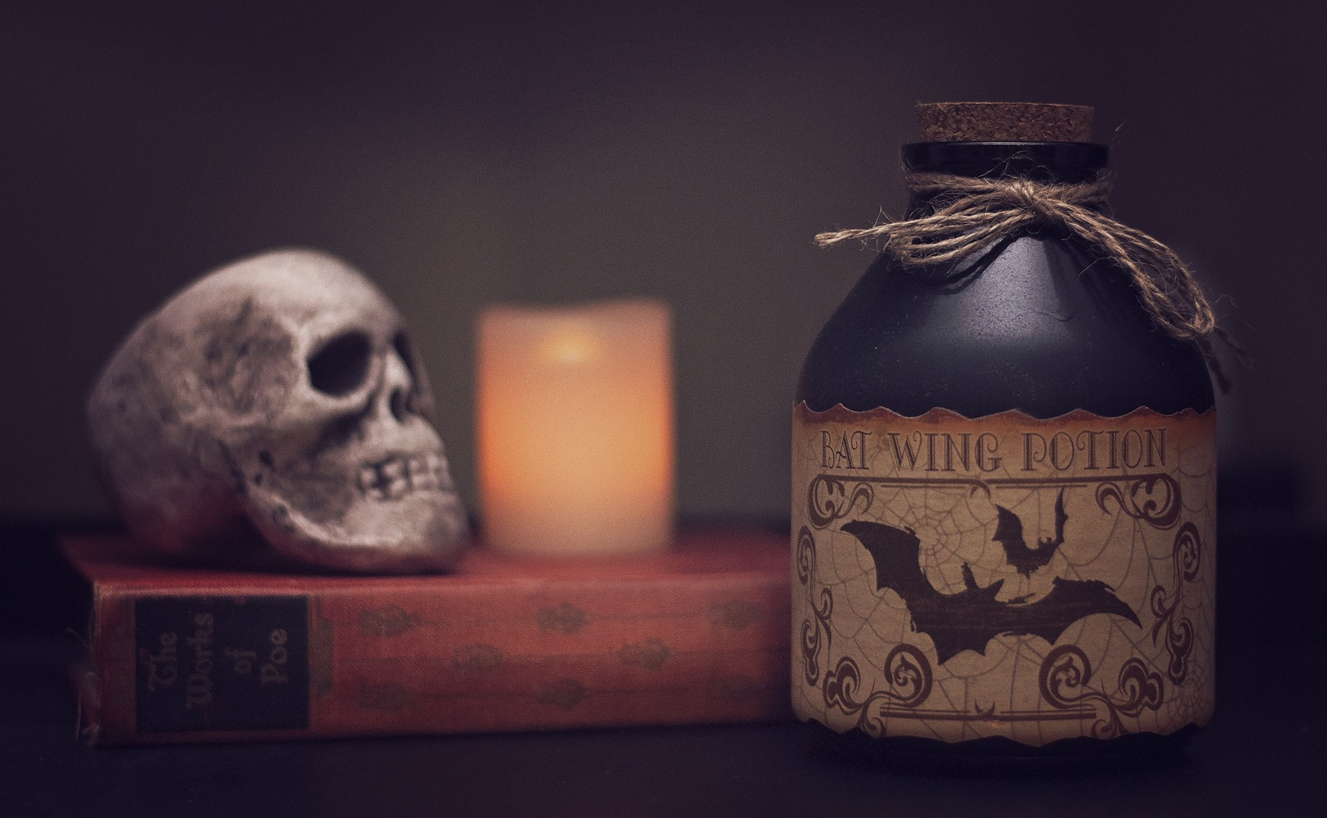 Make Your Home Feel Like A Spooky Getaway With These Halloween Decorating Tips